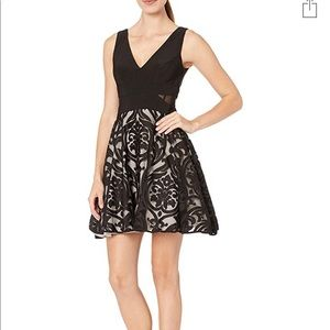 Xscape Womens short flocked party dress